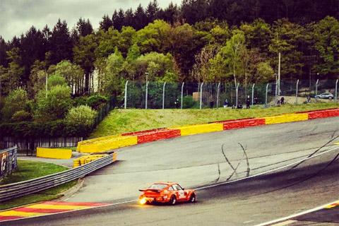 Racen op Circuit Spa Francorchamps Eau rouge